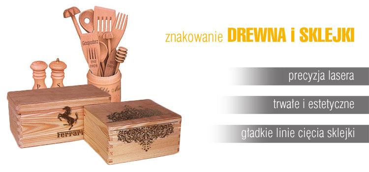 grawer na drewnie sklejce